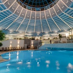 Pool am Abend | © H2Oberhof Wellnessbad
