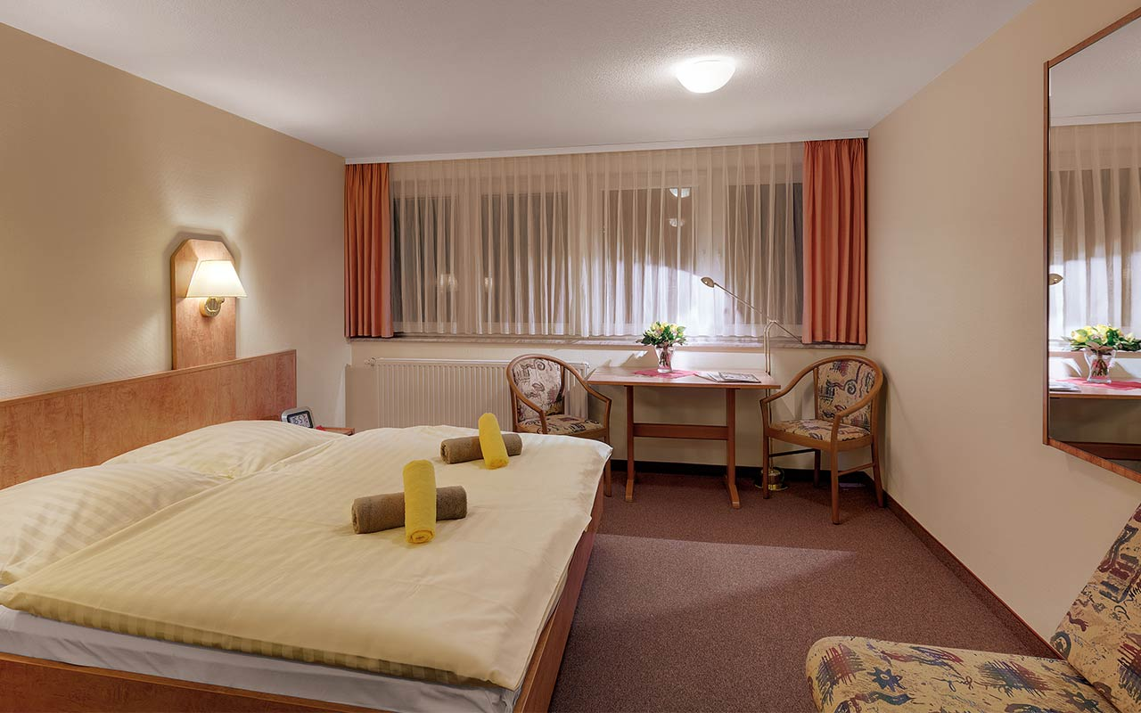 Hotel Thüringenschanze Oberhof, Blick in ein Doppelzimmer