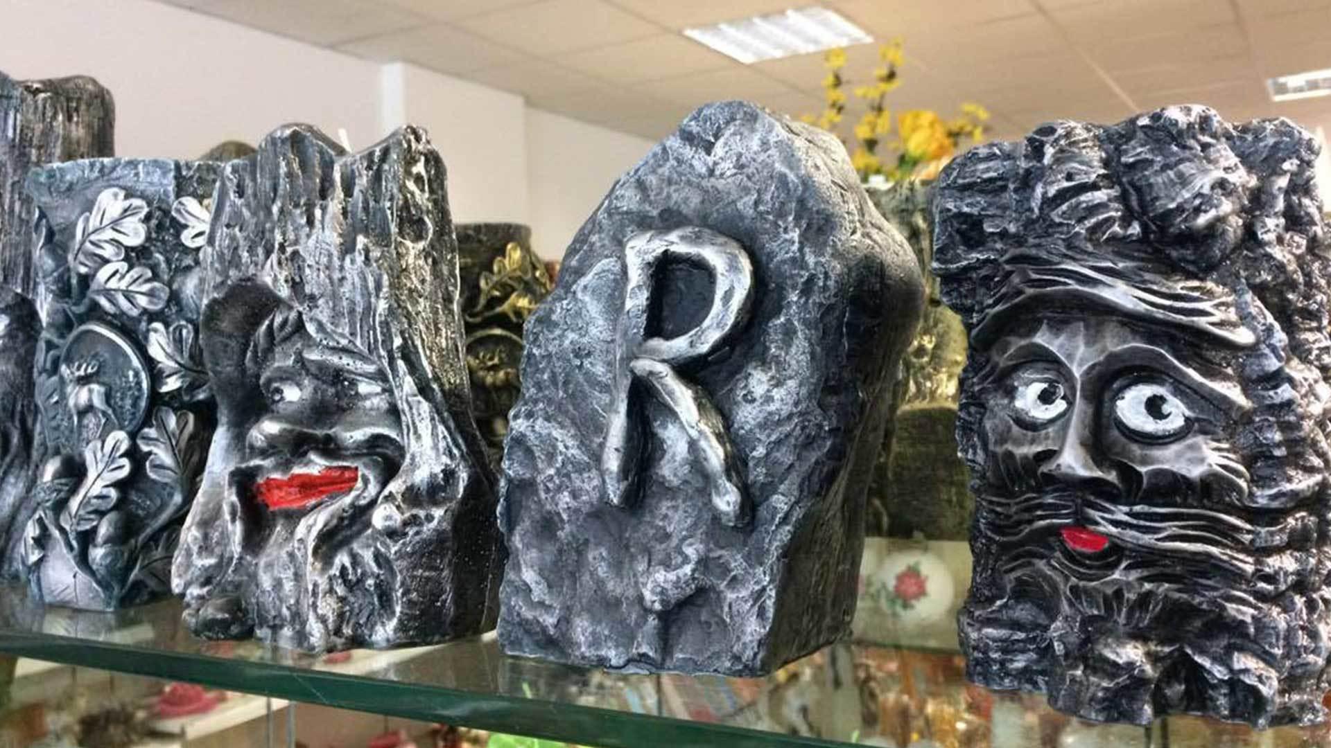 Gruppenreisen Thüringen | Blick auf Souvenirs Wachskunst am Rennsteig